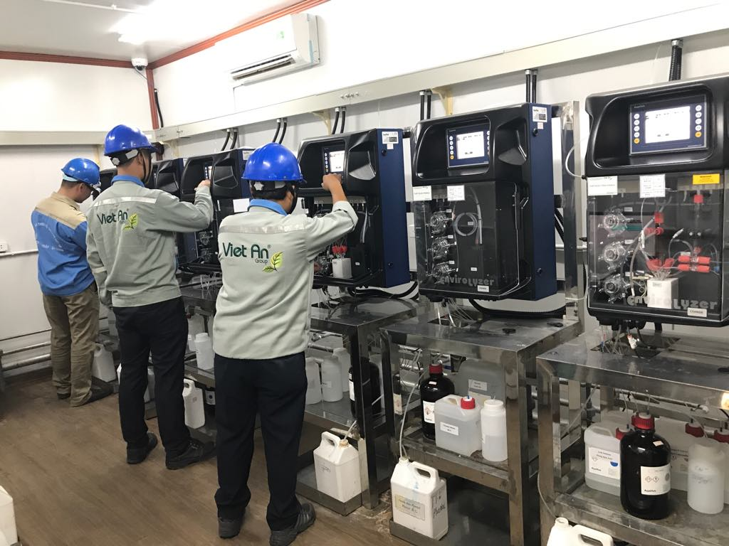 Bên trong trạm quan trắc nước thải do Việt An lắp đặt tại nhà Formosa Hà Tĩnh