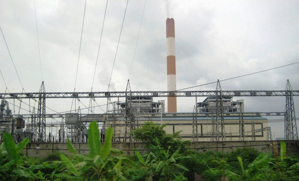 Lắp đặt thiết bị đo bụi liên tục cho 2 ống khói nhà máy Nhiệt Điện Phả Lại